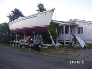 Breta Boat, Harbor