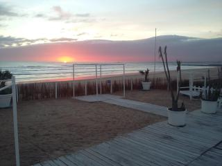 Beach getaway stunning ocean views, Costa da Caparica