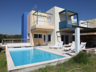 Villa-3, near the beach and the golf course of Rhodes, private pool-garden, Afando