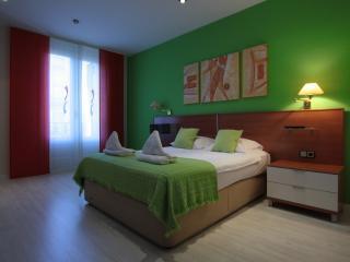 Gaudi Residence 3, Barcelona