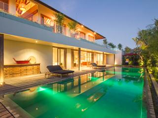 5 bedroom luxury villa in Canggu