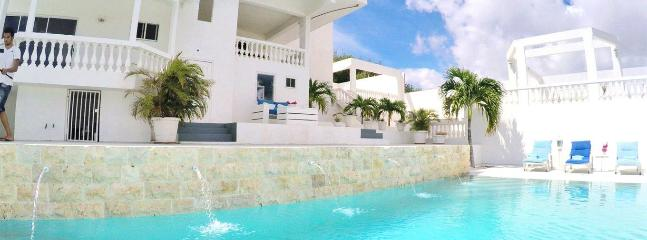 VILLA CRISTAL (Especially for Groups 14-28 pers.)