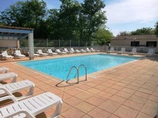 Gite Frigoulet 6 personnes (3 chambres), tout confort, avec piscine commune