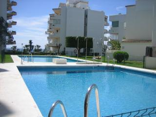 2 Bed with 2 Pools & Wifi in Central Marbella