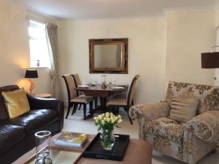 Luxury Ground Fl.2 bed.patio garden near the Sea., Morecambe
