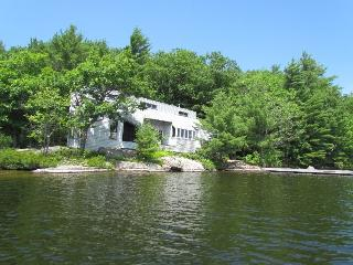 1727 - Lake rosseau, Port Carling