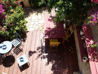 Marseille malmousque mer T1 + jardin au calme