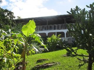 Il se situe au rdc de la villa des Alizés, mais est totalement indépendant et sans vis à vis