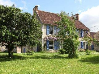 Cherry Tree Villa Villa in Burgundy France to let, holiday rental Burgundy Franc