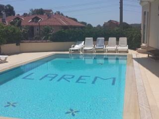 LUXURY 1 BEDROOM APARTMENT WITH  POOL NEAR BEACH, Hisaronu