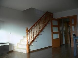 Casa unifamiliar adosada, bien situada y tranquila