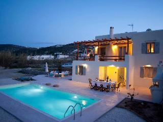 villa Parasporos with private pool