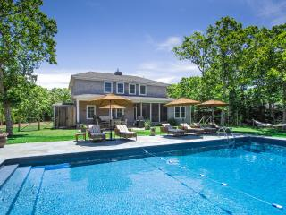 WALSB - New Contemporary Luxury Home,  Heated Pool 18 x 40, Luxury Amenities, Screened Porch, Patio and  Private Yard, Edgartown