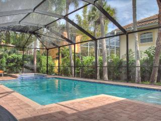 Large Modernized Home a Short Walk to Beach, Siesta Key