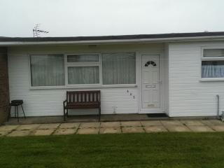 3 BEDROOM CHALET , pets welcome. beach nearby