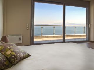 Luxurious Villa Amazing Deep Blue SeaView