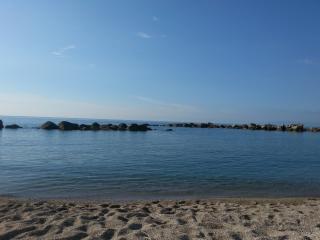 Economica villa  al mare con zona notte in taverna, Scilla