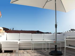 Terrace D'Azur with sunny Rooftop Terrace