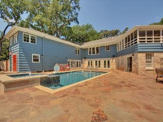 8BR/8BA Historic LBJ Mansion near Lake Austin with Pool and Sport Court