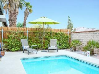 2BR House Palm Springs Desert Bungalow