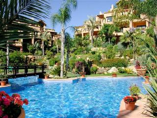 Fantastic apartment in El Campanario, Estepona