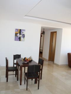 Dining area / Coin repas