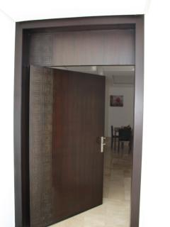 Entrance /Entrée