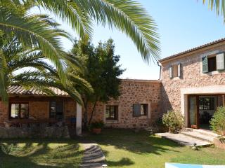 Beautiful Farmhouse set in National Park, Arta