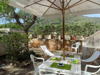 Appartamento con giardinetto a 8 Minuti a piedi, Favignana