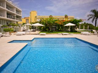 Best Location condo in Playa!! Steps to the beach!, Playa del Carmen