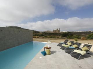 Rustic Style 4-bedroom Villa on the island of Gozo, Ghasri