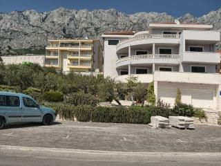 TH00722 Apartments Angela / A1 One bedroom, Makarska