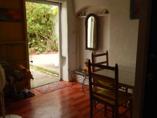 entrance, dining table