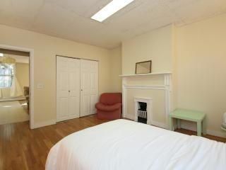 Classic College Hill Pad for 3, Providence