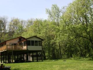 Riverside Retreat, Luray