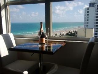 Luxury Beachfront Condo, Miami Beach