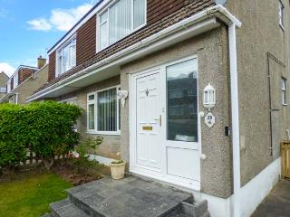 WYNDEN, semi-detached, pet-friendly, two miles from Eden Project, in Par Ref 920869