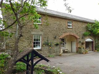 STABLE APARTMENT, all first floor, open plan living area, parking, garden, in