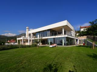 Villa Biocrystal