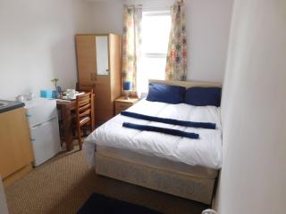 Spencer Inn - First Floor Flat E, Harrow