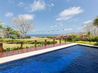 Ocean View 2 bedrooms Villa in Nusa Dua