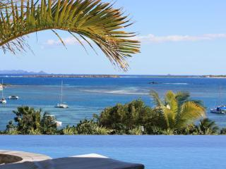 ROMA VILLA... New modern 4 BR villa with gorgeous views of Orient Bay
