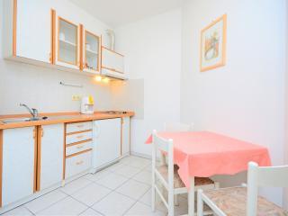 Apartments Branimir - 64221-A1, Novi Vinodolski