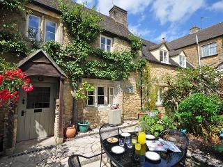 PTREE Cottage in Bourton-on-th, Oxfordshire