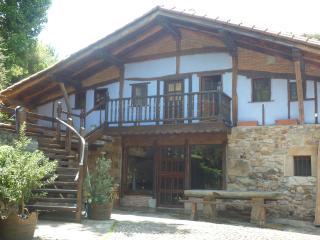 casa con encanto en plena naturaleza, Bakio
