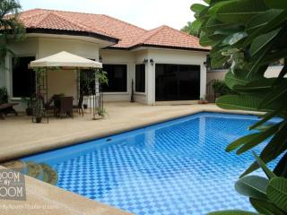 Villas for rent in Hua Hin: V6196