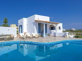 Villa Irida, three bedroom villa with pool,seaview, Tersanas
