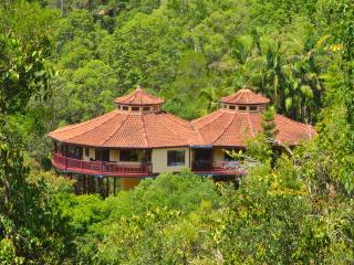 Lost in Leela - Seclusion & Luxury - Maleny house