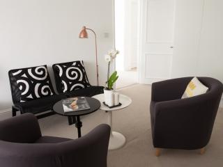 Immaculate Pristine 2 bedroom flat, Londres
