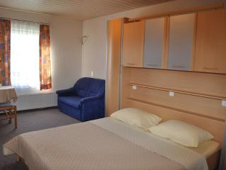 Ying Yang 7 double room with breakfast, Duran